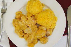 Piept de Pui cu Mamalaguta (Huhn in Apfelsauce)