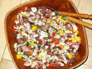 Ochtapodi Salata (Kraken-Salat)